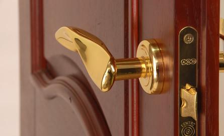 Как выбрать дверную фурнитуру