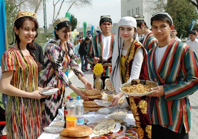 В стране горных пиков и плова: советы туристу в Таджикистане