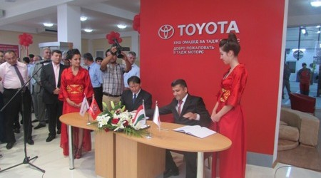 Toyota Corolla: за рулем легенды