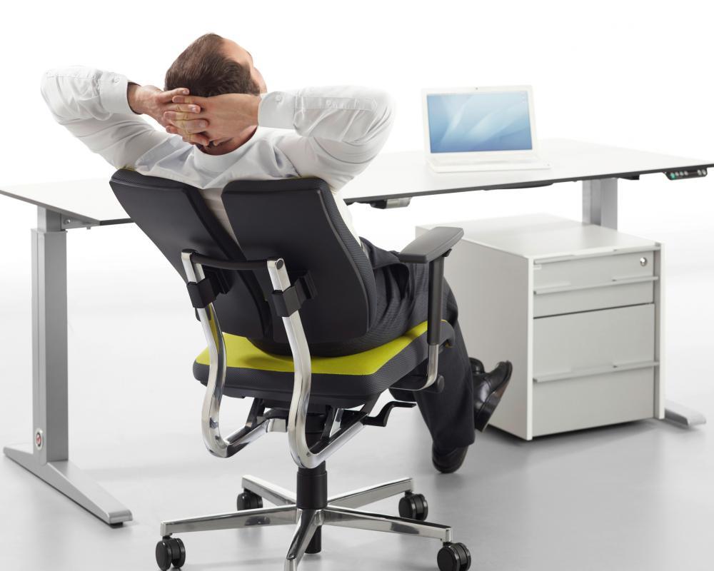 Как правильно подобрать офисное кресло