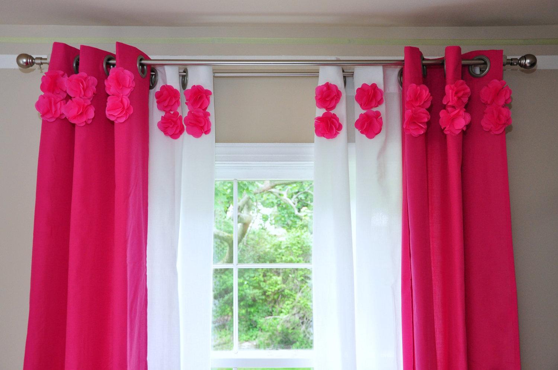 Как подобрать в детскую комнату шторы